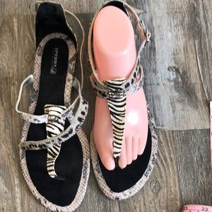 Sperry 9 NWOT Cow Hide Faux Snake Sandals.